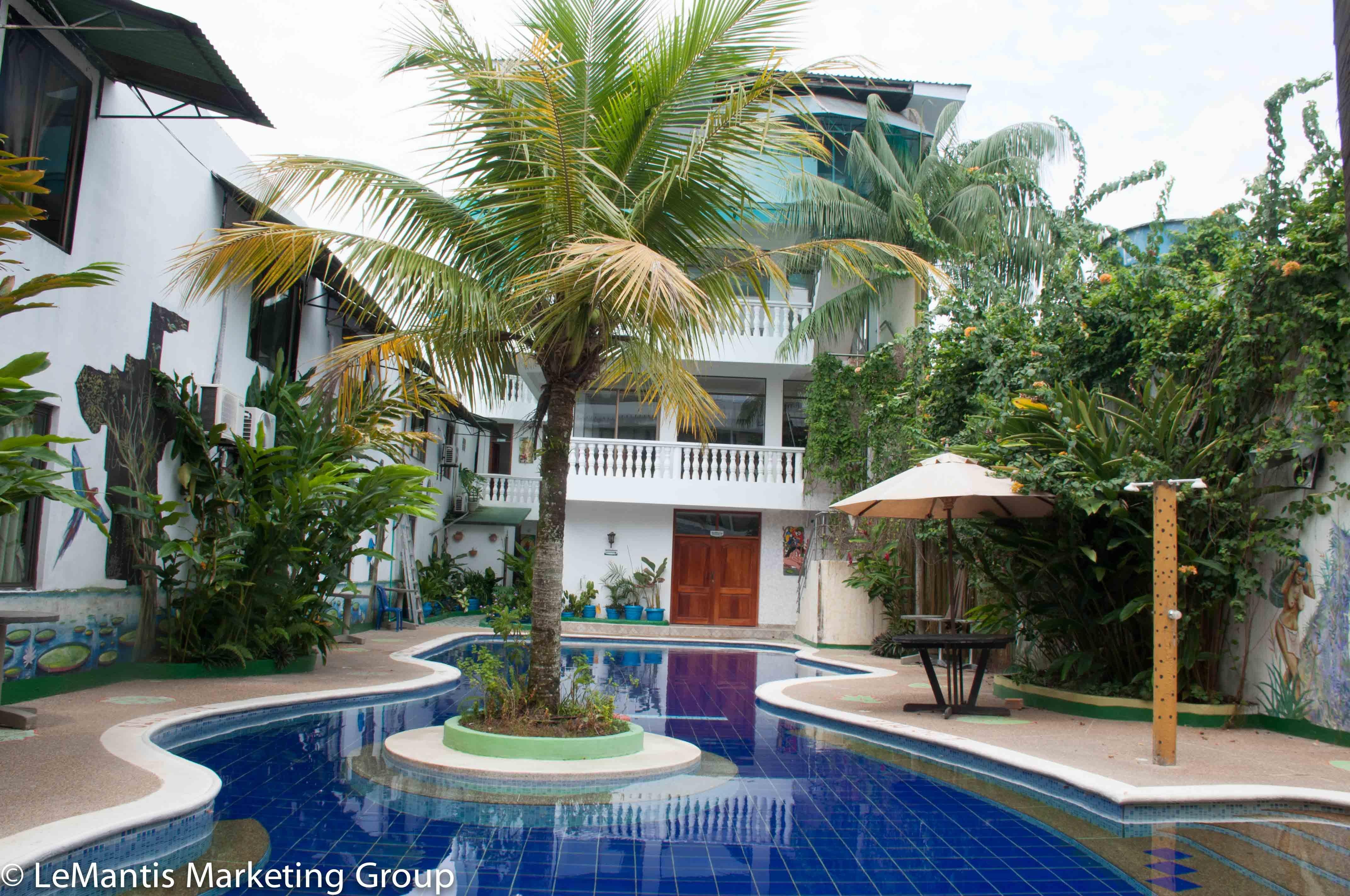 hotel yurupary piscina